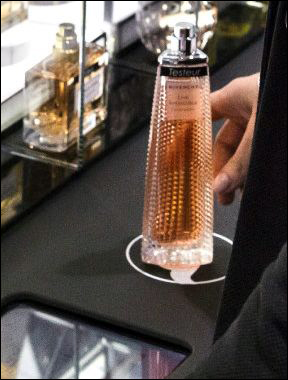 RFID Passes the Sniff Test at Sephora's Flash Boutique