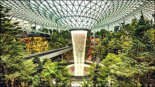 Singapore Airport, Airlines Piloting Handheld RFID Reader